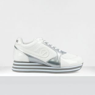 PARKO JOGGER - PAT/PUNCH/GLOSS - WHITE/SILVER